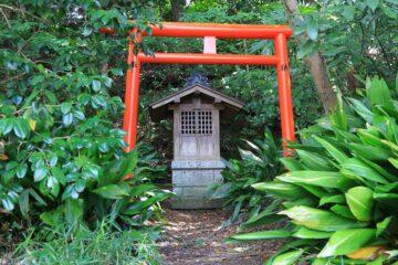 妙本寺の稲荷社