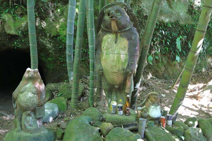 浄智寺のタヌキの置物