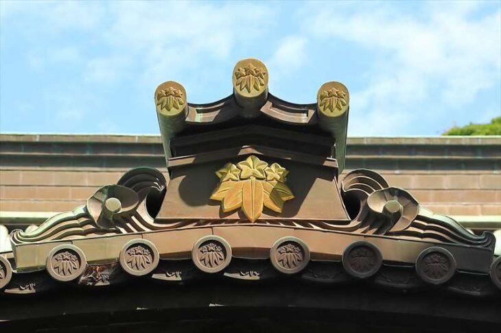 妙本寺本堂の鬼瓦