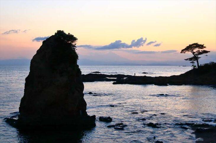 秋谷海岸と秋谷の立石
