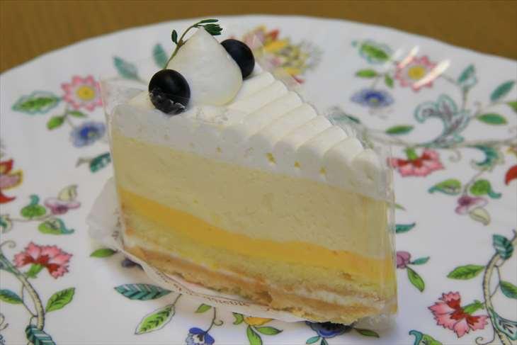 レ・ザンジュのレアチーズケーキ