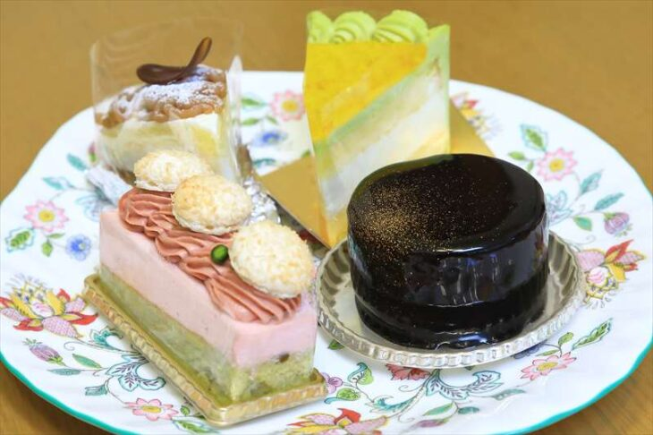 アンビグラム鎌倉のケーキ